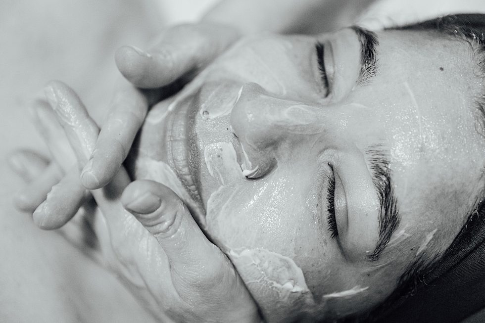 Microdermabrasion_Massage
